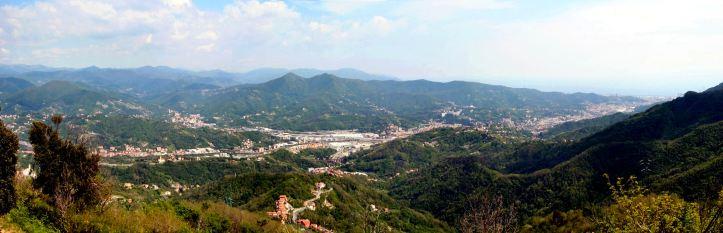 Genova_panorama_Valpolcevera